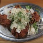 82294123 - 若鶏のから揚げ らっきょうタルタル (421円)