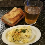 82295003 - スペイン産ビール(mahou)とポテトサラダのアンチョビ風味のハーフサイズ