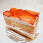 82295936 - いちごのショートケーキ