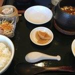 八兵衛 - 麻婆豆腐 全体