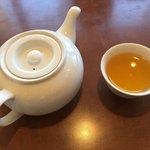 八兵衛 - お茶 ポットで出で来てうれしい