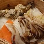 82297258 - 牡蠣と野菜のせいろ蒸し