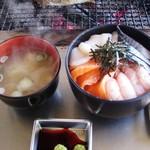 82300111 - 海鮮四種丼1300円