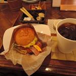 ハートフルバーガー - 「ハートフルバーガー+ドリンクセット」900円 アイスコーヒーをチョイス。