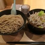どてちん - つけ麺(大400g)750円