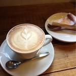 自家焙煎珈琲店サニーコーヒー - ドリンク写真:カフェラテ