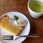 ごきげんキッチン - 本日のデザート・シフォンケーキ & 蕎麦茶