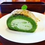 ロゼッタ・カフェ・カンパニー - 抹茶のロールケーキ
