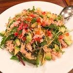 HALE海'S - 蟹とアボカドのミックスリーフサラダ