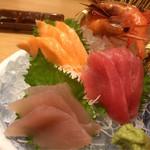 横濱 魚萬 - 刺身盛り合わせ