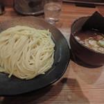 82318644 - つけ麺(中盛り)