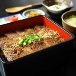 ひめ路 - 料理写真:赤牛重 1,600円