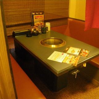 ジャズが流れる焼肉店で接待、デートなどご活用ください。