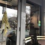 スケロク ダイナー - 外のドア