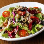 彩り野菜とツナのサラダ