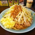 立川マシマシ 秘密工場 - 料理写真:中ラーメン。¥750