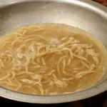 水炊き吟醸もつ鍋 由乃 - 〆の塩ちゃんぽん麺