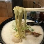 82334401 - ふわふわスープからの〜                       麺です