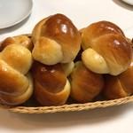 ステーキハウス スエ - 手作りロールパン