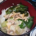 日吉屋 - 深川汁をご飯にどん