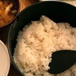 かつかつとんとん - 麦御飯・味噌汁・キャベツはお代わり自由