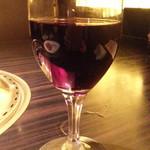和 はなれ - グラスワインの赤450円