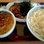 角中うどん店 - 肉つけうどん (あつもり・2.5玉) ¥780