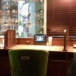 コメダ珈琲店 - Rを描く窓際のお席