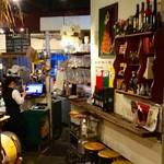 スペイン料理 3BEBES - 店内風景。