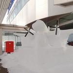 丘珠キッチン - 有志による雪像(SAAB 340B+) @2018/02/25