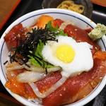 一魚一栄 - 海鮮丼