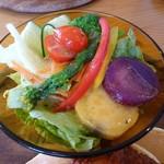 カフェナナラ - メキシカンパンケーキ(1100円) サラダアップ