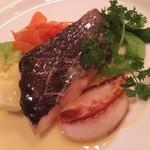 82355239 - 東北の鯛、クロソイ。ソースとこれまた地野菜が大変美味。