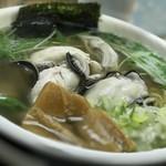 らーめん工房 魚一 - トップフォト① カキラーメン(魚醤) さっぱり 細麺