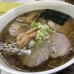 らーめん工房 魚一 - エビ醤チャーシューメン さっぱり 細麺