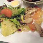 カミノハナ - 【北新地でランチ】 唐揚油淋鶏 鮭とキノコのバター炒め \950