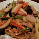 食処酒処いいおか - 太麺上海ヤキソバ(具材もたっぷり、ガッツリもちもち太麺、ご満足頂けると思います)