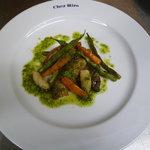 シェ・イロ - 料理写真:三崎マグロの尾の身 香草ソース