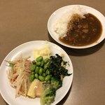 ヴィクトリアステーション - カレーと野菜♪