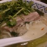 中国ラーメン揚州商人 - 豚南蛮刀切麺パクチートッピング。