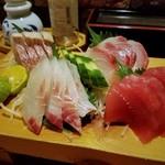 イカリ亭 - 料理写真:刺身盛り合わせ(1~2人前)