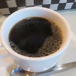 224 COLOURS - スパイシーチキンカレーに付くコーヒー