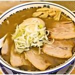 肉中華そばムタヒロ - 料理写真:こくニボ特製中華そば 1000円 正にこくニボなWスープが美味い♪でも具材はちょっとしょっぱめ。ご飯が欲しくなっちゃいますね。