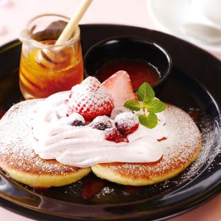 ◎春限定メニュー◎苺モンブランホットケーキ