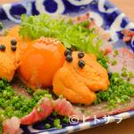 炭Kappo hirac - 店の看板料理『宮崎黒毛和牛のうすぎりの炙り 卵黄の正油漬けのせ ウニ盛り』
