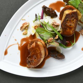 奇をてらわない、ブラッスリーポール・ボキューズの料理を再現。