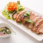 本格タイ料理バル プアン - コームーヤーン(トントロ焼き)