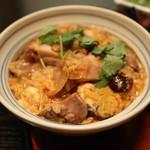 三軒茶屋 - 炭焼き熟成鶏の親子丼