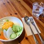 カフェアンドレストランアッタカ - 料理写真:ランチのサラダ。