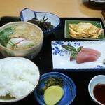 千成寿司 - 料理写真:\650でこのボリューム。お寿司屋さんだからお味もGood